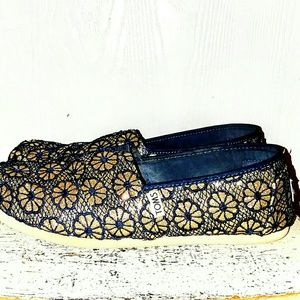 TOM'S Sparkly Blue&Gold Alpargata Crocheted Flats